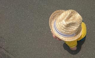 帽子と三輪車